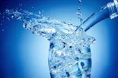 Su sıçrama — Stok fotoğraf