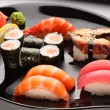 Set of Japanese sushi on a plate — 图库照片