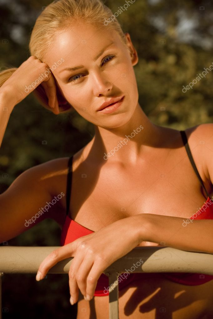 Summer portrait of a beautiful young sexy woman  — Stock Photo #3718442