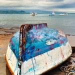 baş aşağı balıkçı teknesi — Stok fotoğraf