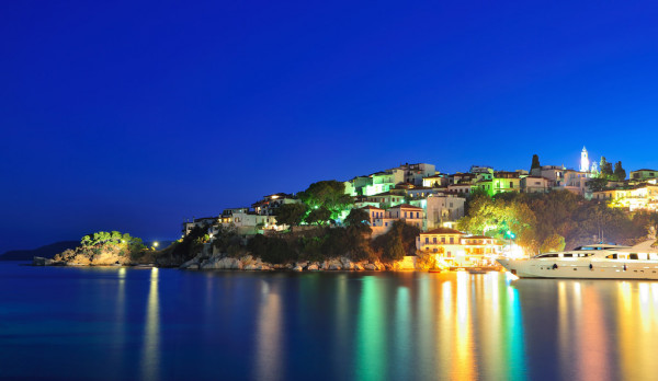 Night image from the island of Skiathos, Greece — Stock Photo