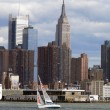 Segelschiff vor Manhattan - Stock Photo