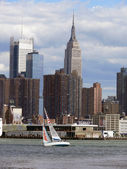 Segelschiff vor Manhattan — Stock Photo