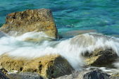 Waves on rocks — Stock Photo