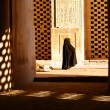 Mosque and woman — Stock Photo