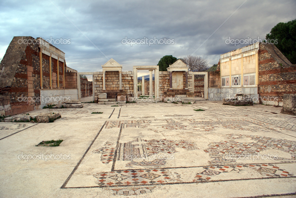 Temple with mosaicon floor in Sardis, Turkey                     — Stock Photo #3586282