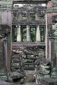 Ruins and columns — Stock Photo