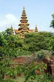 City wall and pagoda in Old Bagan, Myanmar — Stock Photo