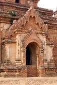 Window and door of temple — Stock Photo