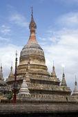 White buddhist stupa — Stock Photo