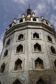Stupa och buddhas — Stockfoto