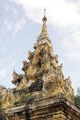 仏舎利塔の上部 — ストック写真