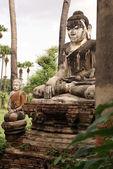 Big and small Buddhas — Stock Photo