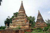 Two stupas and lion — Stock Photo
