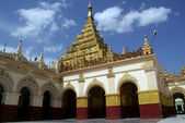 Mahamuni Paya pagoda in Mandalay — Stock Photo