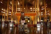 All'interno del tempio buddista — Foto Stock