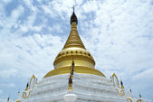 White stupa with golden top — Stock Photo