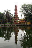 Pagoda on the lake — Stock Photo