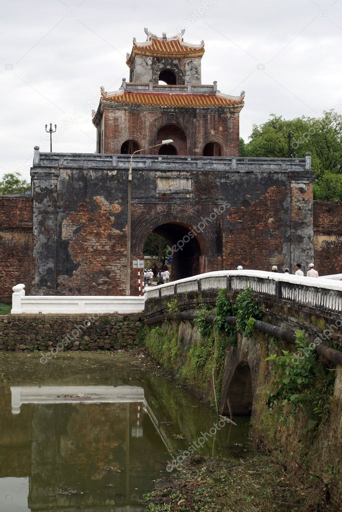 Royal palace inside citadel in Hue, central Vietnam                    — Stock Photo #3619710