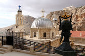 Statue and towers in convent Saint Takla in Maalula, Syria — Stock Photo
