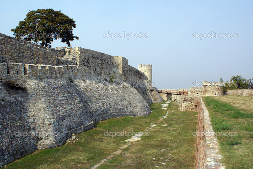Moat and fortress in Beograd, Serbia                   — Stock Photo #3761183