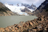 Lake and glacier — Stock Photo