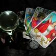 Tarot-Karten und Kristallkugel — Stockfoto