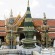 Thailand, Bangkok, royal palace. Statues of demons at a temple. - 图库照片
