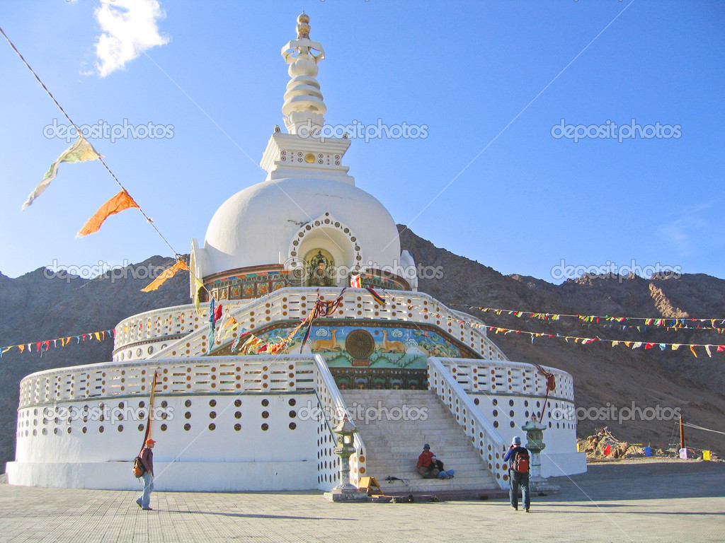 Ladakh, India, capital Leh, mortar Shanti. — Stock Photo #3851563