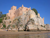 San Joan fortress on river bank in the city of Ferragudu, Portugal. — Zdjęcie stockowe