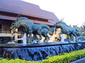 Fountain with sculptures in the city of Pattaya, Thailand — Stock Photo