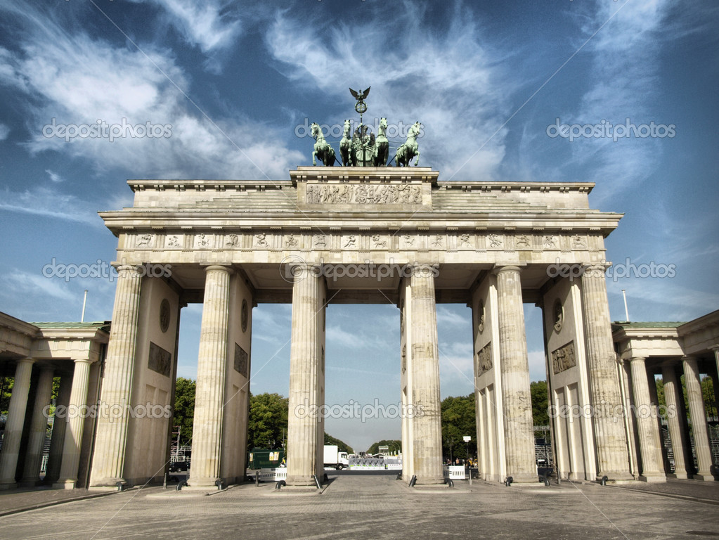 Brandenburger Tor (Brandenburg Gate), famous landmark in Berlin, Germany - high dynamic range HDR — Stock Photo #3632344