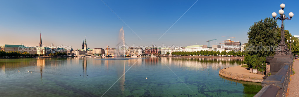 Panorama of the river Alster in Hamburg — Stock Photo #3820035