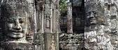 Bayon sur du temple d'angkor wate, camboya — Photo