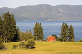 Red Barn by the Lake — Stock Photo