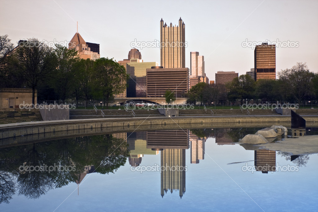 Reflected Skyscrapers in Downtown Pittsburgh, Pennsylvania. — Stock Photo #3581540