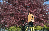 Surveying during colorful fall — Stock Photo