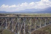 Truck driving the bridge above Rio Grande — Stock Photo