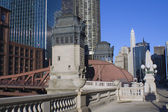Bridge over Chicago River — 图库照片
