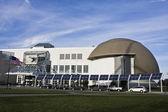Solar Panels in front of Cleveland's Landmark — Fotografia Stock