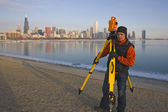 SUrveying during winter in CHicago — Stock Photo