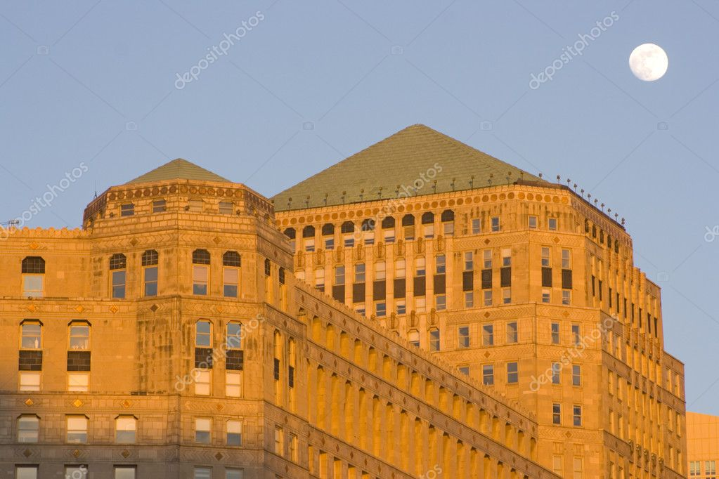 Moon over Merchandise Mart in Chicago  Stock Photo #3595954