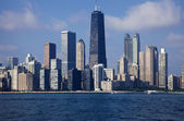 Downtown chicago gölden gördüm — Stok fotoğraf