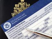 U.s.declaration 卡上护照 — 图库照片