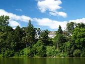 Берега реки — Стоковое фото