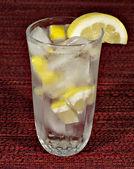 água com limão — Fotografia Stock