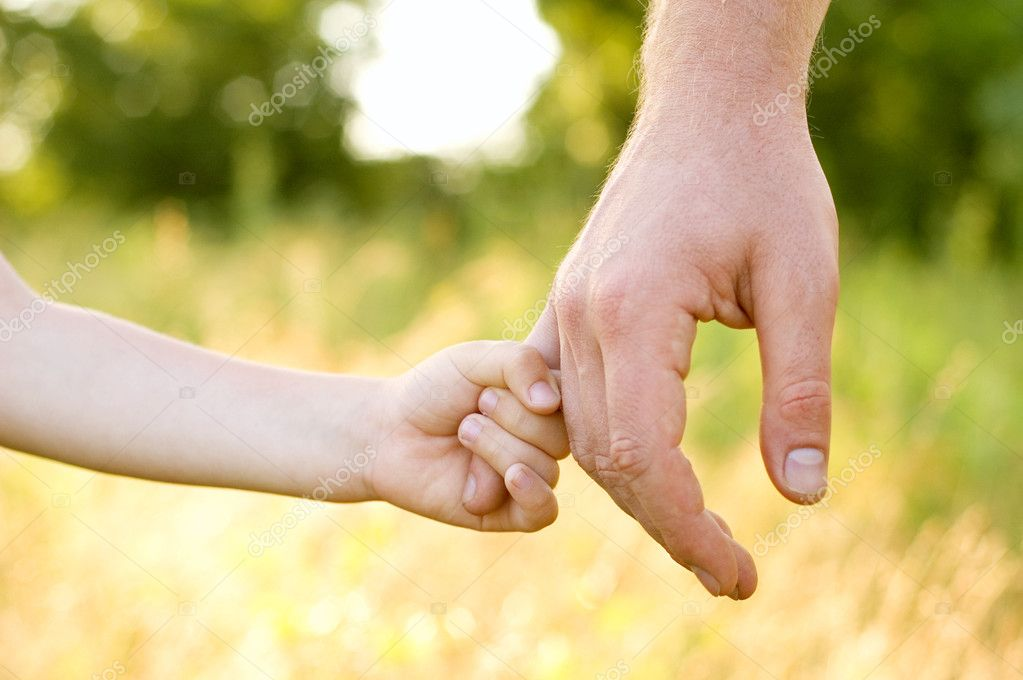 Father lead by the hand son outdoor — Foto Stock #3572197
