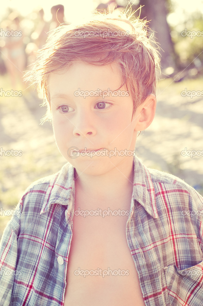 Portrait of liitle boy summer outdoor — Stock Photo #3666199