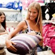 Beautiful shopping girls — Stock Photo
