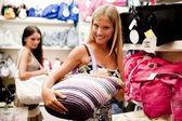 Beautiful shopping girls — Stock Photo